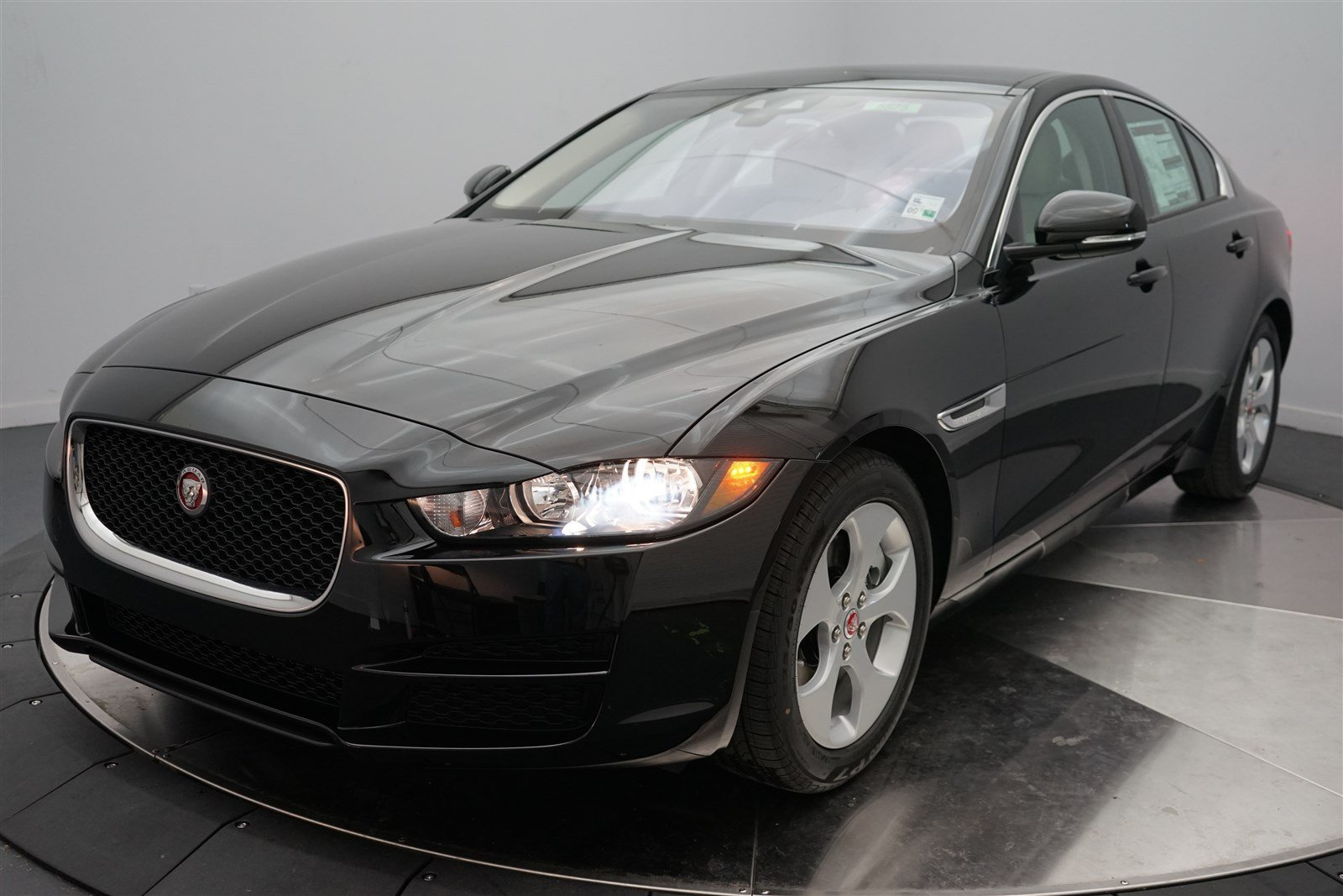 new 2017 jaguar xe 25t 4dr car in shreveport 5575. Black Bedroom Furniture Sets. Home Design Ideas