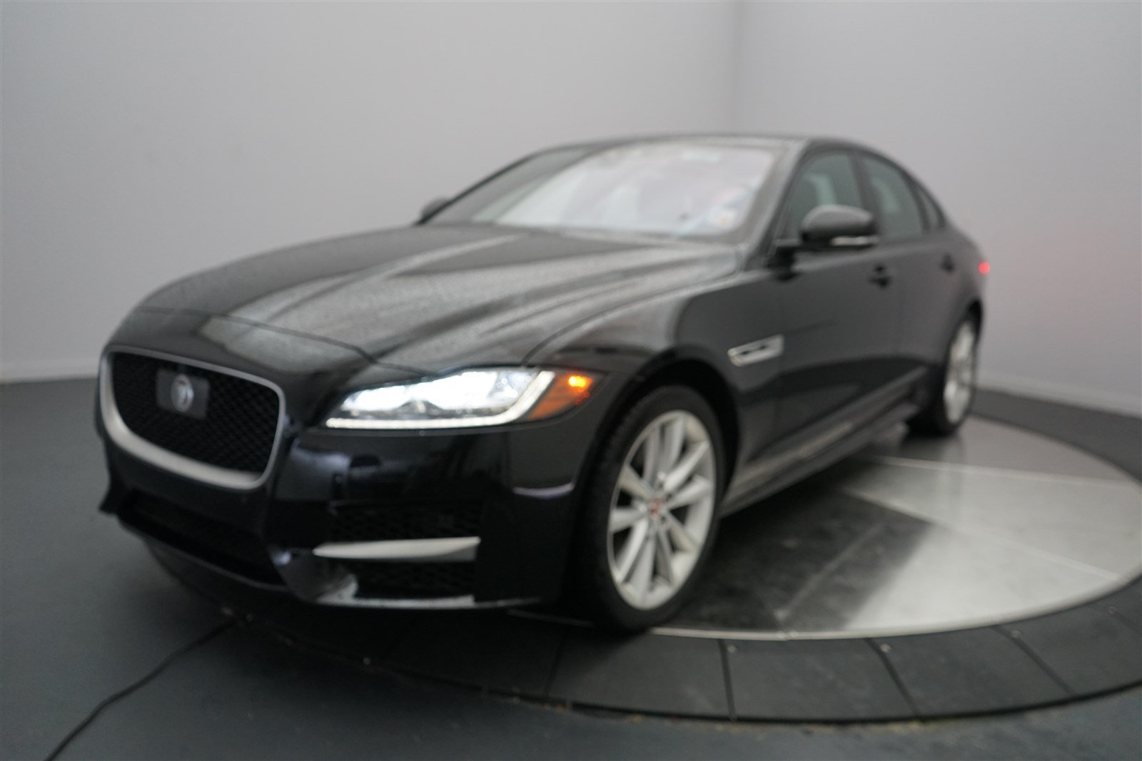 new 2016 jaguar xf 35t r sport 4dr car in shreveport 5257 jaguar of shreveport. Black Bedroom Furniture Sets. Home Design Ideas